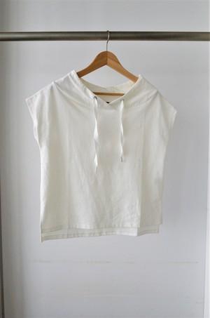 フード風ネックTシャツ
