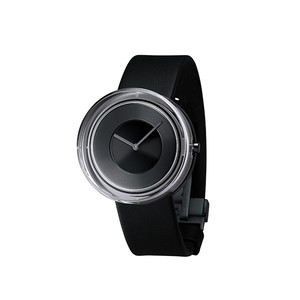 ISSEY MIYAKE / Glass Watch − Black
