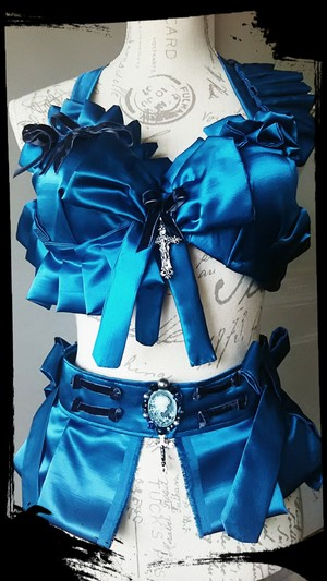 Classical doll blue