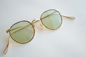 SAMPSON × green Lens