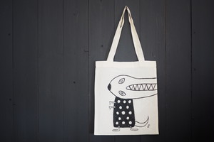 hand painting bag  手描きトートバックA[Here and there]