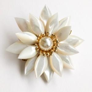 pearl flower brooch[b-244]