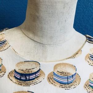 麦わら帽子のシンプル背中ファスナーワンピース