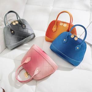 カラー全4色 バッグ カバン レディース ショルダーバッグ ハンドバッグ シンプル 無地 オシャレ グラデーション ファッション ピンク ブルー グレー オレンジ
