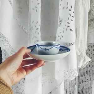 トュルネー窯のカップ&ソーサー ①