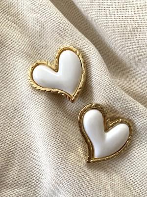大ぶり white Heart ❤︎