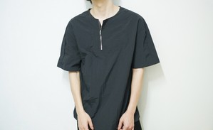 center zip tshirt