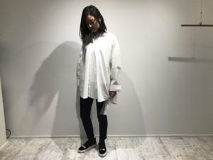 ホワイトオーバーシャツ