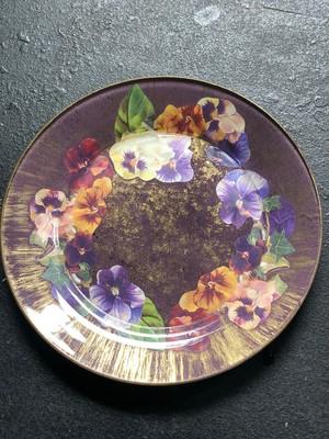 Assiette à motifs de pensée 紫