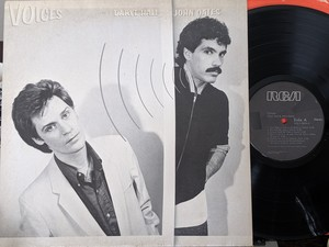 DARYL HALL AND JOHN OATES「VOICES」