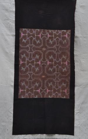 ●シピボ族刺繍大判 17 パステルカラー 泥染めとフリーハンドの手刺繍 先住民族の工芸布 天然素材 タペストリー