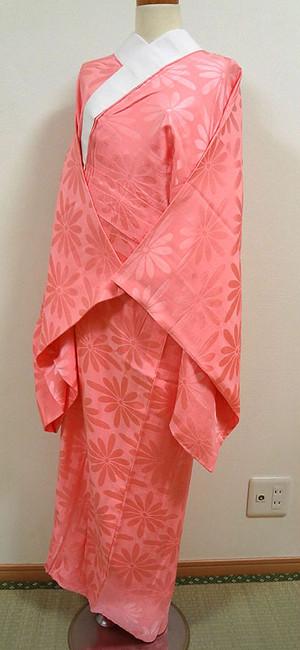 濃いピンク色に花菱 長襦袢 胴抜き無双仕立て