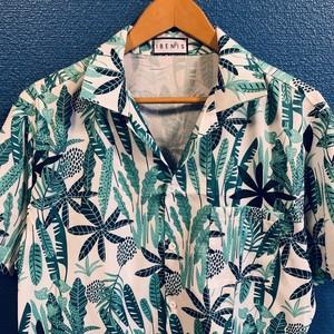 南国リーフのグリーンアロハシャツ