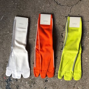 tabito : TABI LINE SOCKS    Color : White/Orange/Yellow
