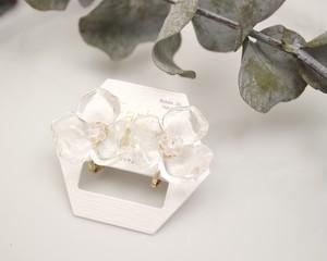 透明の花イヤリング(Luccica)