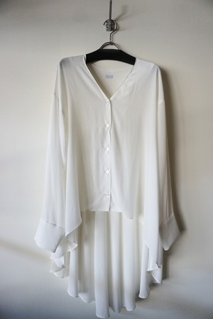 BACK FLARE BLOUSE [WHITE]