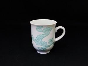 【井上萬二作】白磁緑釉彫文マグカップ
