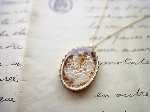 Necklace■ Vintage Glass Anemone ■ Intaglio Clear with 14KGF chain
