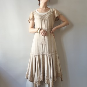 Back lace-up embroidery dress