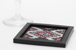 005 / 角形ビーズ刺繍コースター