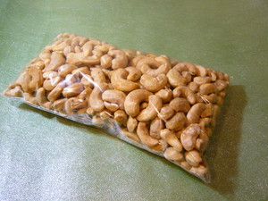Hearty Cashew Nuts  ブルキナファソ産500g
