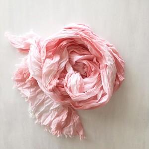草木染 (蘇芳)|春色 * 大判ショール・柔らかコットン(絞り染め・淡いピンク)