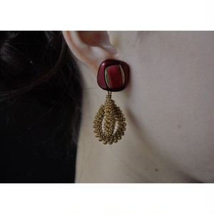 tiravisù【 retro button _ gold wire art _ earring 】 handmade / イヤリング / japan