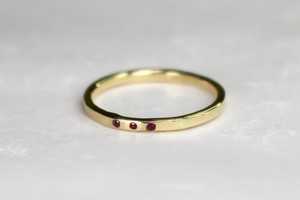 Tres rubeus ring / K18 Yellow gold . Ruby