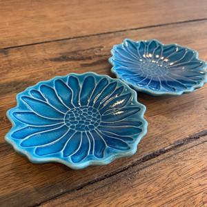 フラワーな青い小皿2枚セット