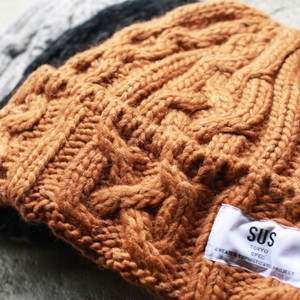 SUS / cableknit beanie