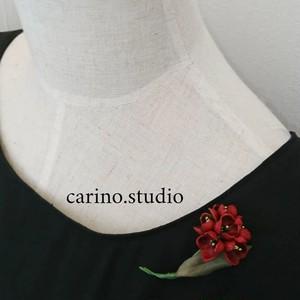 【小ぶりなお花の革ブローチ】本革 コサージュ(送料無料)