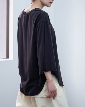 pelleq - middle sleeve T