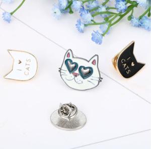 【送料無料】I LOVE CATs ピンバッチ4SET