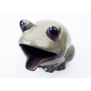 アイクラフト・陶器カエル灰皿 [グレー] 89601h-1801