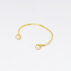 MILK CROWN BANGLE