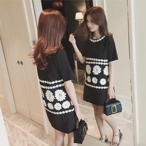 マーガレット刺繍ワンピース 半袖ブラック
