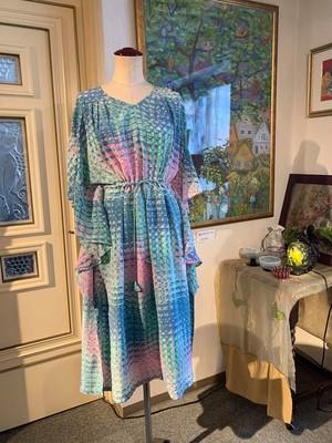バタフライ風シルクドレス