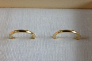 結婚指輪  K18 / 山型 / 鏡面仕上げ