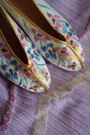 Flower Embroidery Shoes(White / flower)