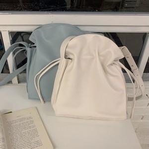 【小物】シンプル ファッション 無地 大容量 マグネット 斜め掛け ショルダーバッグ42940881
