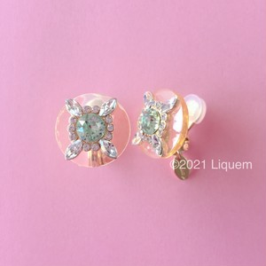 Liquem / クリアボタン・イヤリング