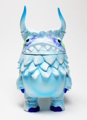 kaiju POGOLA ver.snow mountain
