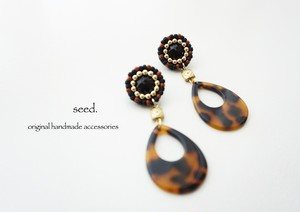 ビーズ刺繍のピアス 〜leopard〜