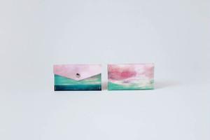【03.09 SALE START】海と緑色の空のカードケース