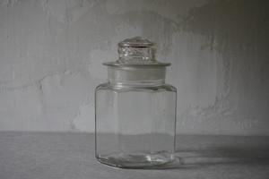 蓋付き八角瓶