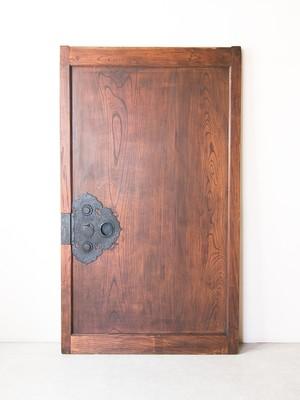 総欅の蔵戸