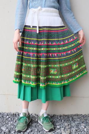 midori no kehai wrapped skirt.