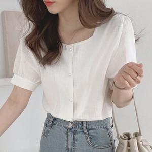 スクエアホワイトシャツ