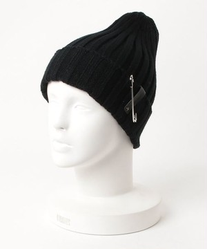 safety pin knit cap BLK