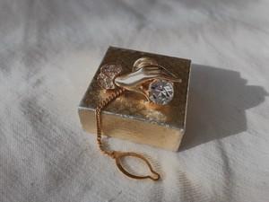 手の美術展 AMERICA vintage pin brooch